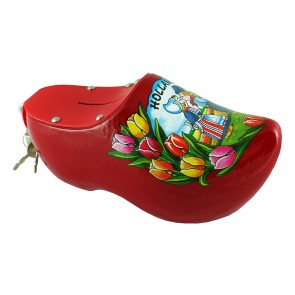 Wooden shoe money box red with kissing couple.