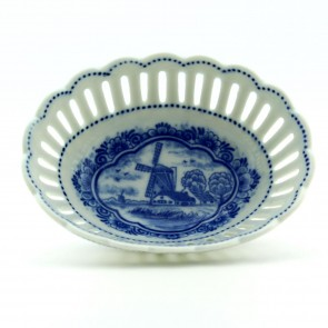 Delft blue oval dish with windmill.
